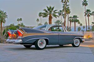 Leilão de modelos americanos inclui o automóvel mais antigo do mundo