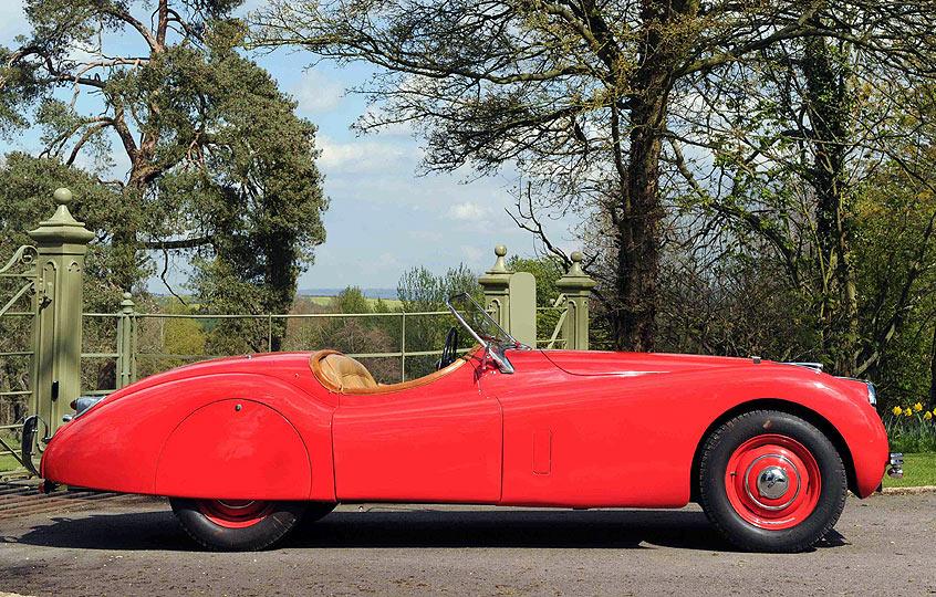 """Jaguar XK120 de 1950, um """"americano"""" de regresso a Inglaterra"""