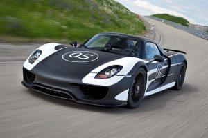 Porsche 918 Spyder em testes de estrada