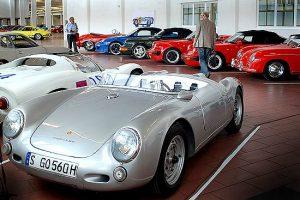 Porsche reúne coleção do museu em novo armazém