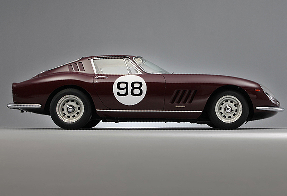 Ferrari 275 GTC de 1966 vendido por mais de um milhão e meio de Euros