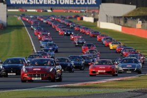 O maior desfile Ferrari de sempre, confirmado pelo Guiness