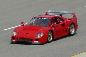 Jacques Laffite conduz F40 LM