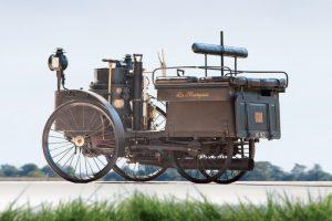 O automóvel mais antigo do mundo ainda circula (com Vídeo)