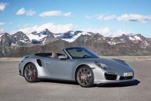 Porsche faz três estreias mundiais este mês
