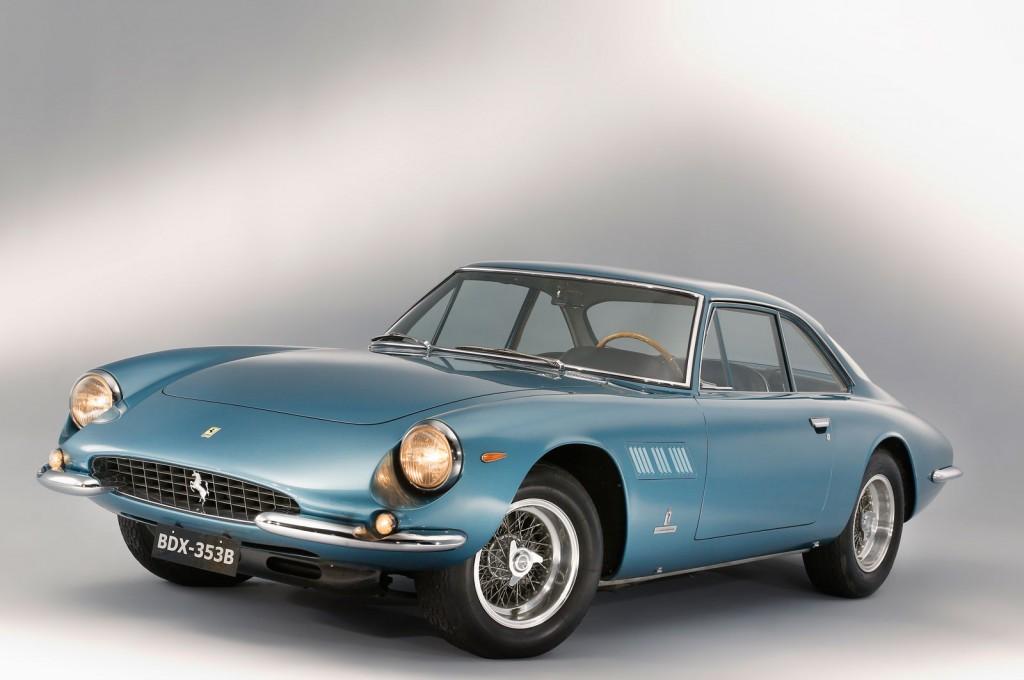Artcurial Motorcars leiloa Super Fast de 1964