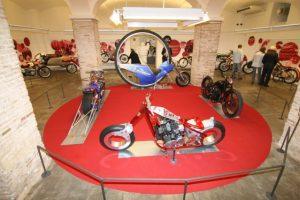 Motos únicas em exposição em Barcelona