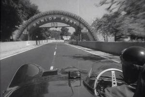 Mike Hawthorn comenta volta a Le Mans ao volante de Jaguar em 1957 (com Vídeo)