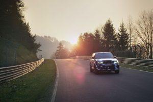 Protótipo do Range Rover Sport SVR pronto para arrasar em Goodwood (com Vídeo)