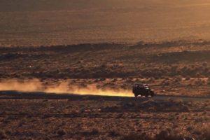 Pelas estradas da América do Sul num Land Rover Defender (com Vídeo)
