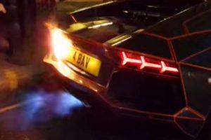 Leva as rotações ao limite e incendeia o Lamborghini (com Vídeo)