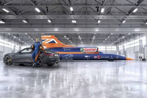 O novo Jaguar F-Type apoia a tentativa de recorde do Bloodhound SSC