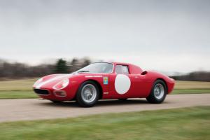 Estrela em leilão: Ferrari 250 LM vendido por mais de 8 milhões de euros