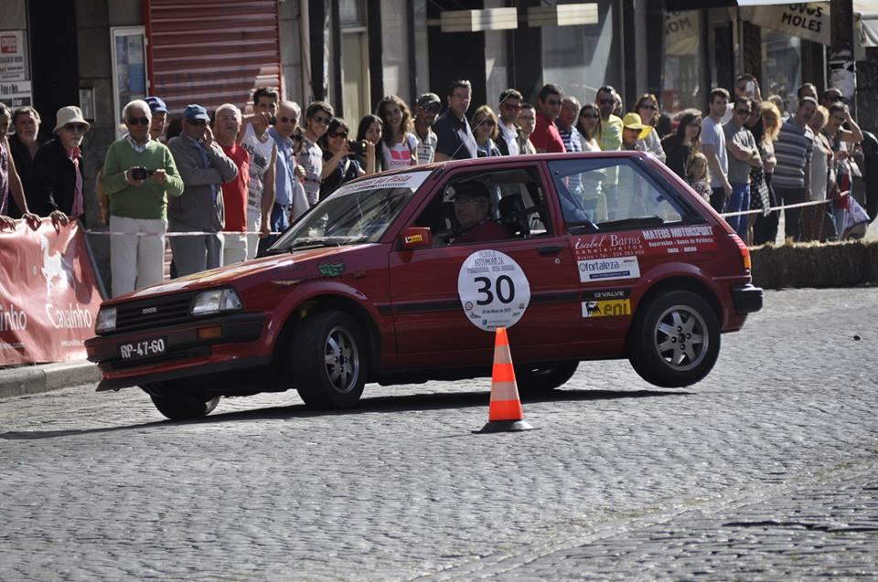Regresso do Rali Princesa Santa Joana leva automóveis clássicos aos centros das cidades