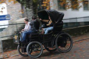 Peugeot Portugal levou fã a passear no Peugeot de 1899 do Museu do Caramulo