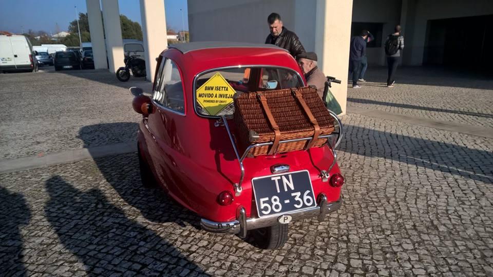 Automóveis clássicos e desportivos voltaram a Aveiro