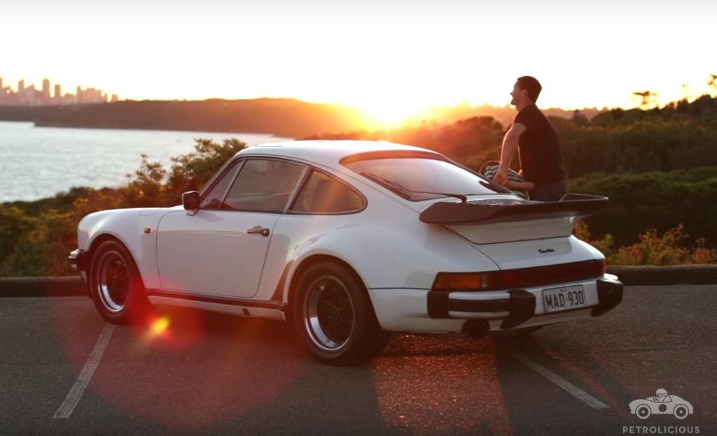 Este Porsche 930 Turbo é um