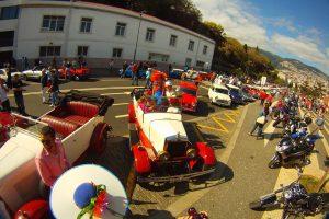 Veículos clássicos desfilaram na Festa da Flor na Madeira