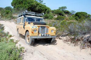 Veteranos Land Rover partem em passeio por Mafra