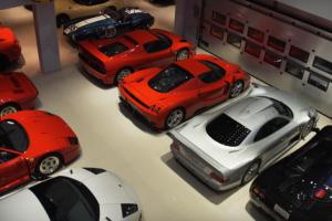 Uma colecção de automóveis de perder a cabeça