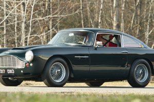 Aston Martin vai relançar linha de automóveis clássicos