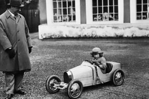 Um Bugatti pequeno mas que não é para brincadeiras