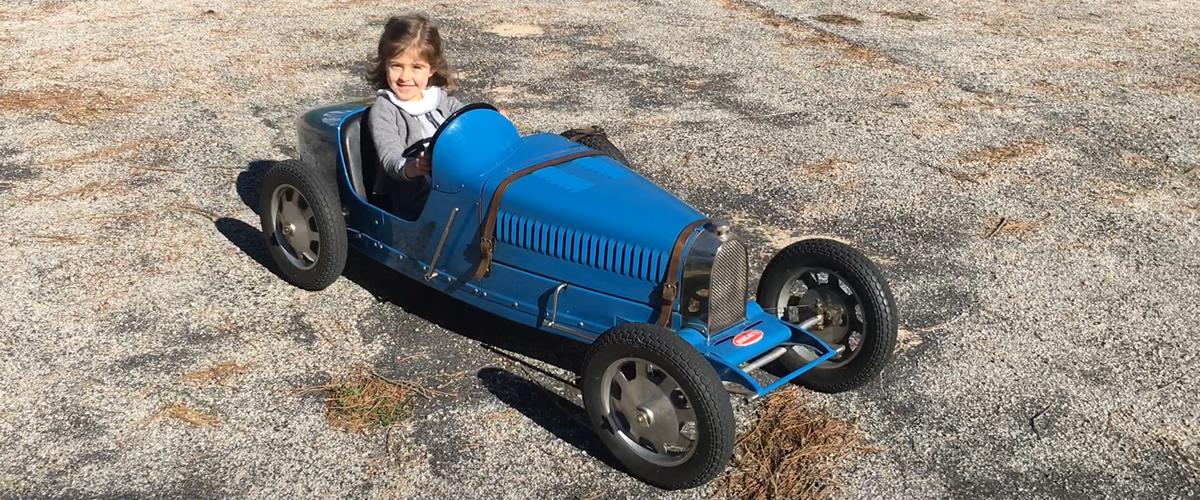Museu do Caramulo faz a manutenção dos seus automóveis de criança
