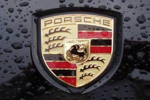 Sabe pronunciar a palavra Porsche? Aprenda connosco