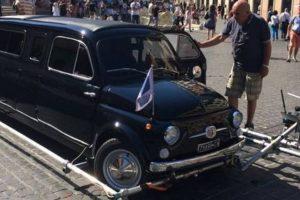 """Limusina Fiat 500 do filme """"Zoolander 2"""" vai a leilão"""