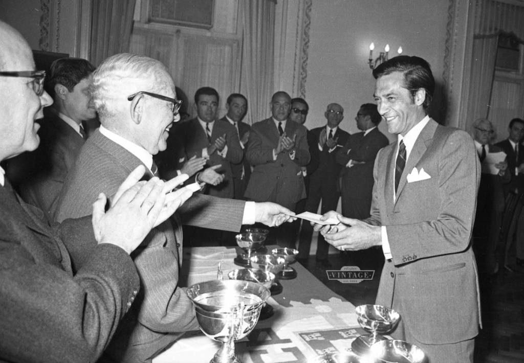 Na entrega de prémios do Circuito da Granja do Marquês, em 1968