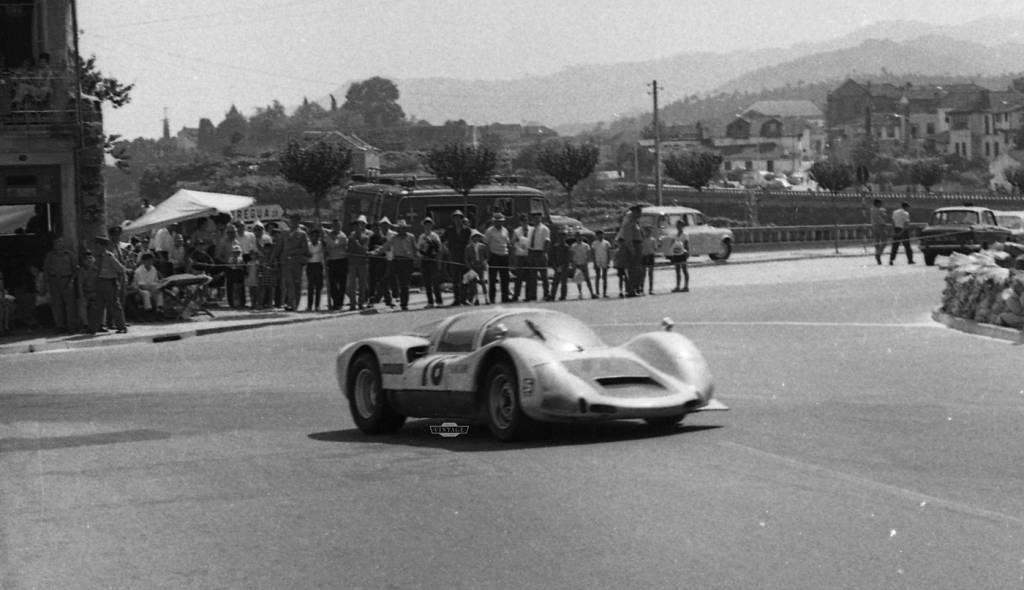 """Em 1969, """"Janita"""" Vilar partilhou o Porsche Carrera 6 com Nogueira Pinto"""