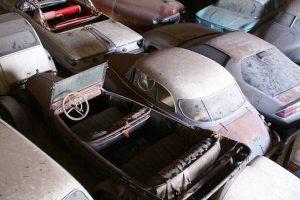 Museu que nunca existiu leva 700 automóveis a leilão