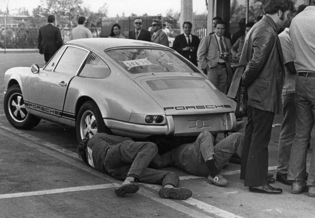 O Porsche 911 R era um verdadeiro automóvel de competição