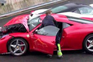 Compilação de acidentes com Ferraris