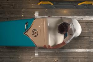 Uma VW Samba para estacionar na cozinha