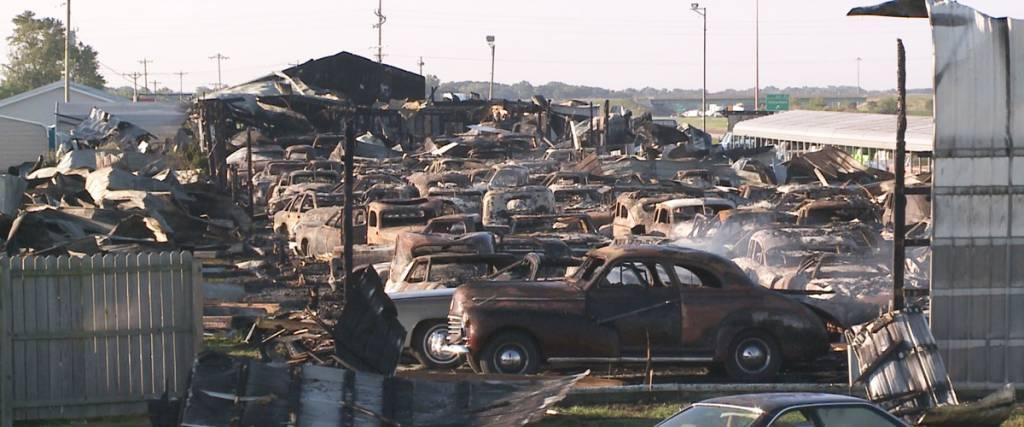 Incêndio destrói mais de 140 clássicos