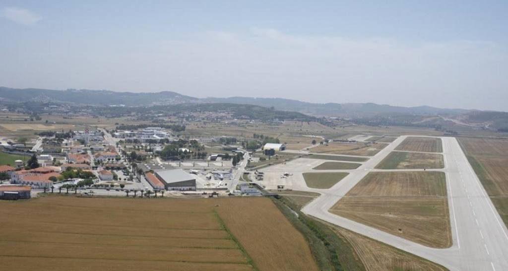 base-aerea-de-sintra-ba1-com-pista_900