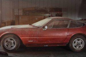 Ferrari 365 GTB/4 Daytona raro redescoberto ao fim de 40 anos