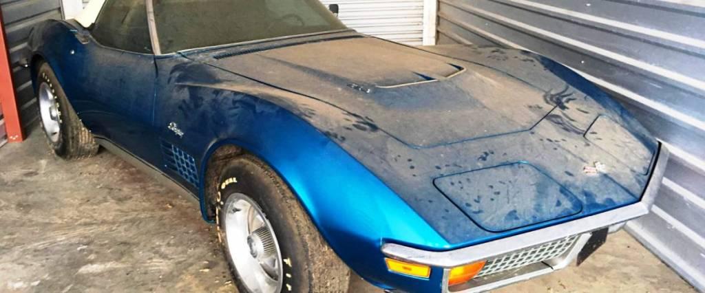 Este Corvette esteve fechado numa garagem durante 45 anos