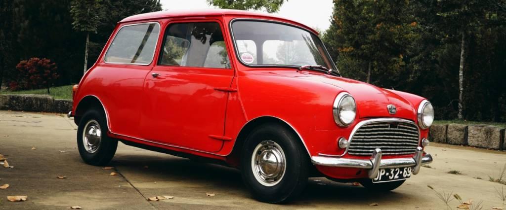 Mini clássico de 1959 de proprietário português em leilão internacional