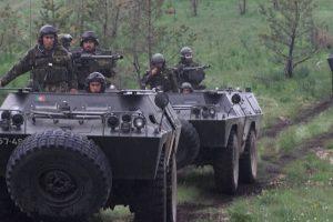 Livro sobre veículos militares nacionais apresentado na Ascari este Sábado