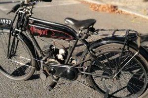 Museu do Caramulo leva moto Peugeot com 90 anos a passear
