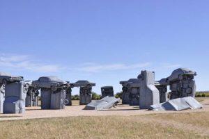 Carhenge: automóveis antigos em destaque em versão americana de Stonehenge