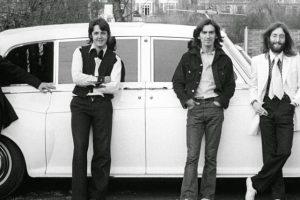 Que automóveis conduziam os Beatles?