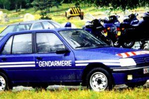Raro Peugeot 205 GTI da Polícia francesa à venda