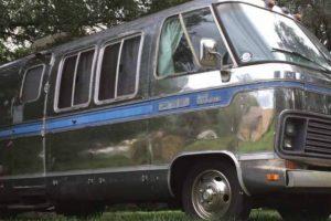 Airstream Excella de 1984, perfeita para uma aventura em família