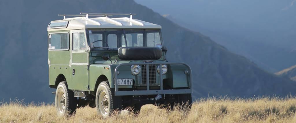 70 anos da Land Rover em destaque no Salão Motorclássico
