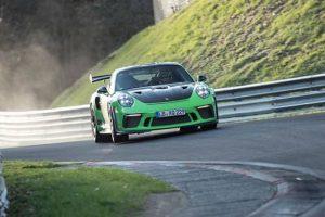 "Novo 911 GT3 RS regista tempo recorde por volta no ""Inferno Verde"""