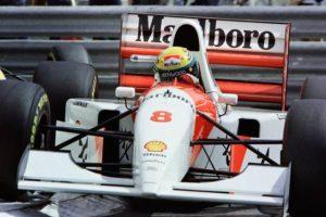 Bernie Ecclestone compra McLaren de Senna por mais de 4 milhões de euros