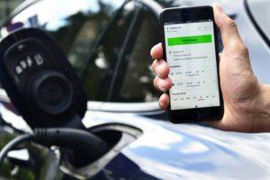 Porsche lança serviço digital de carregamento para veículos elétricos